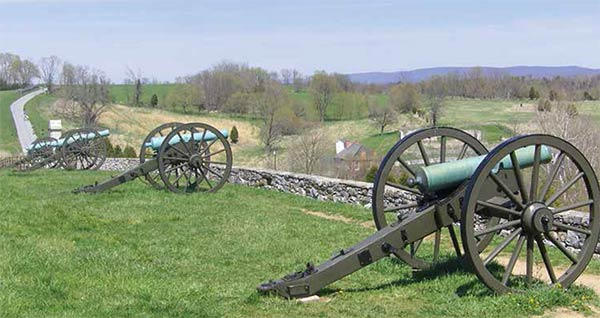 photo of cannons at Antietam National Battlefiled Park, Sharpsburg, Md
